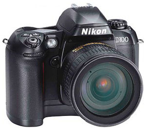 300px-Nikon_D100